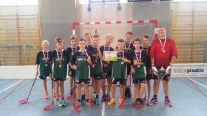 Brązowe medale chłopców w unihokeja