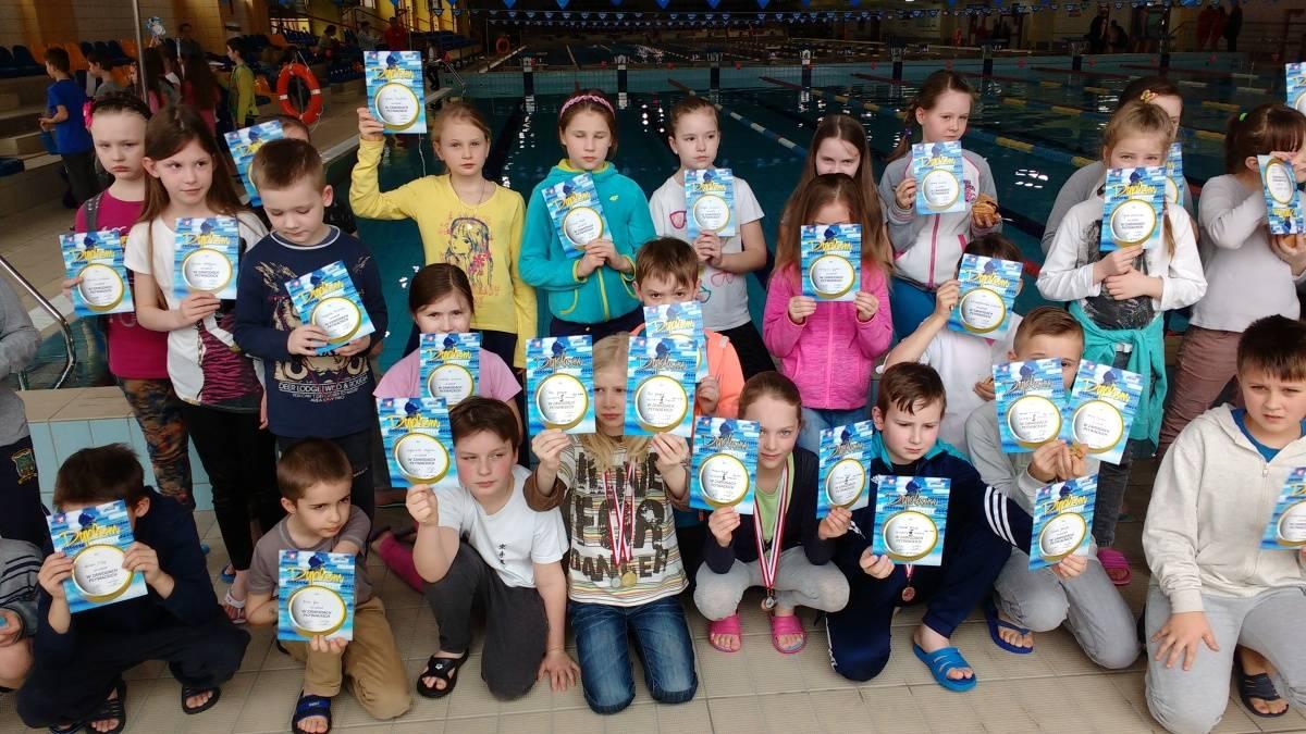 Wielkie sukcesy małych pływaków