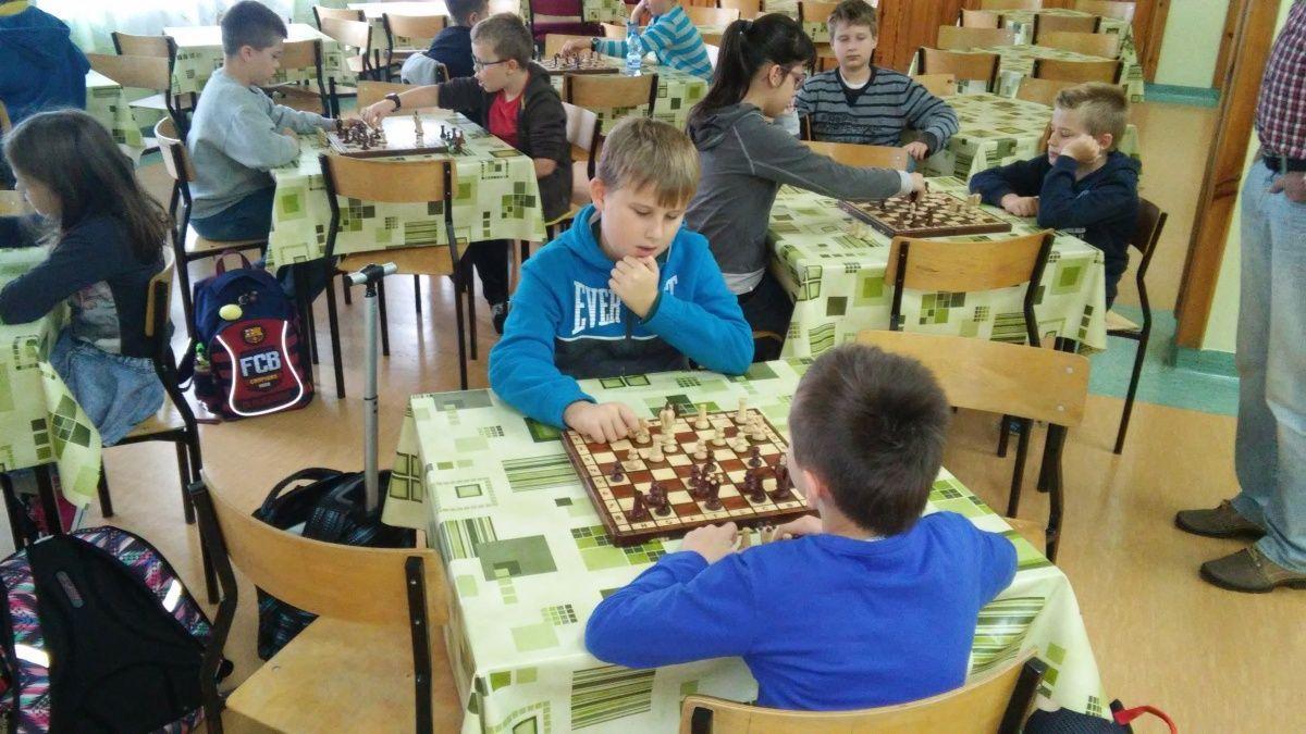 Szkolne zawody w szachy