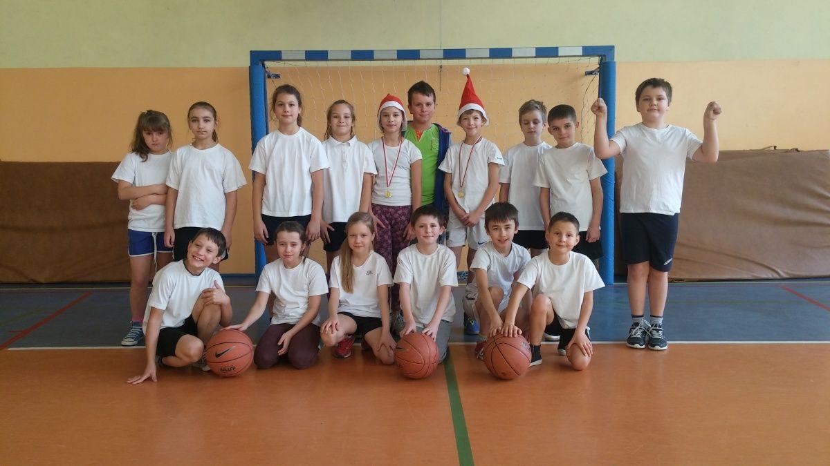Mikołajki z koszykówką