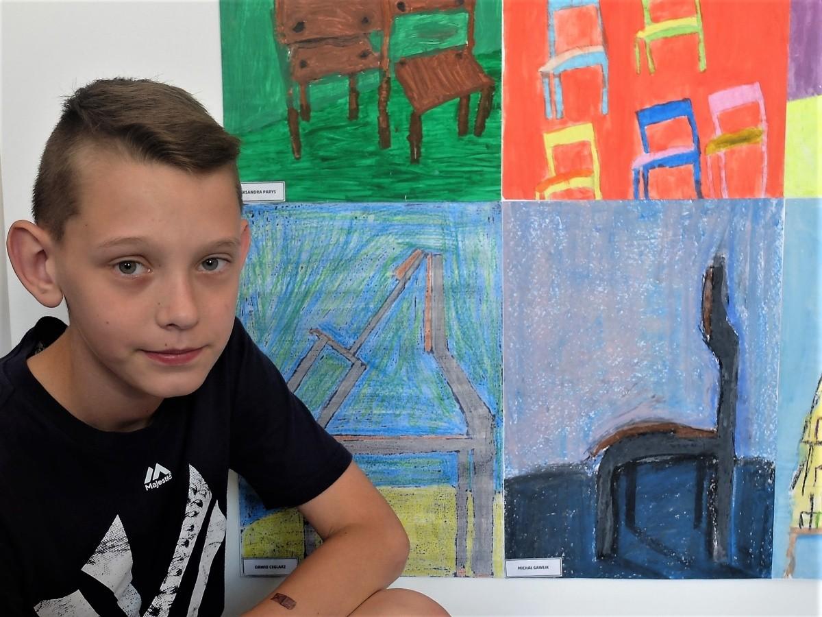 """""""Krzesła"""" – wystawa z okazji 25-lecia naszej szkoły"""