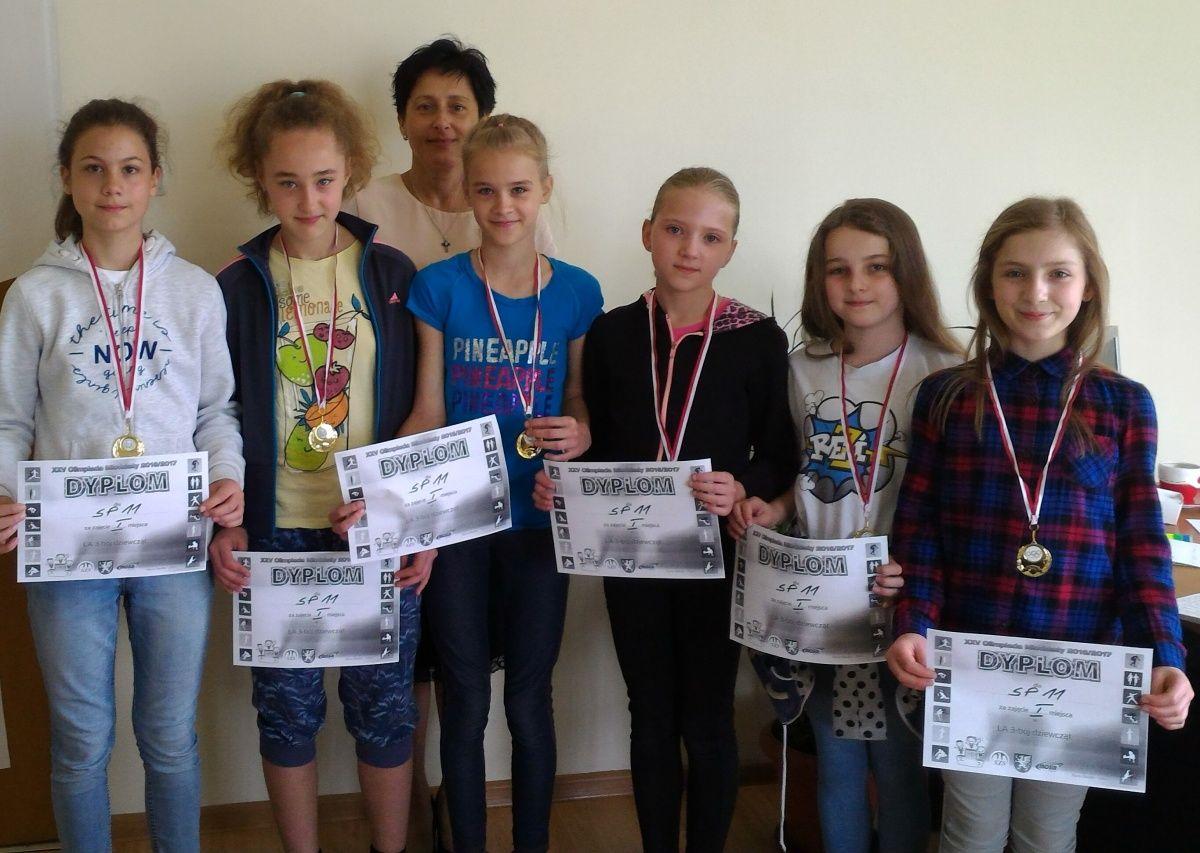 Złote medale dziewcząt
