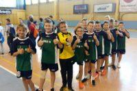 Złoty medal chłopców w piłkę ręczną