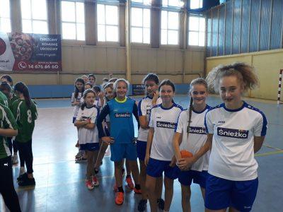 Piłka ręczna dziewcząt (1)