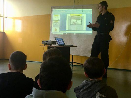 Spotkania z funkcjonariuszami Komendy Powiatowej Straży Pożarnej w Dębicy