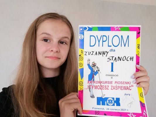 Zuzia kończy szkołę z kumulacją nagród w konkursach wokalnych